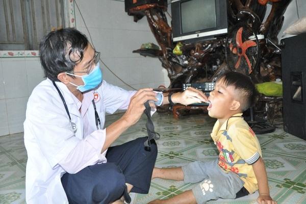 Ngành y tế Bình Phước chủ động khám, tiêm chủng phòng, chống bệnh bạch hầu