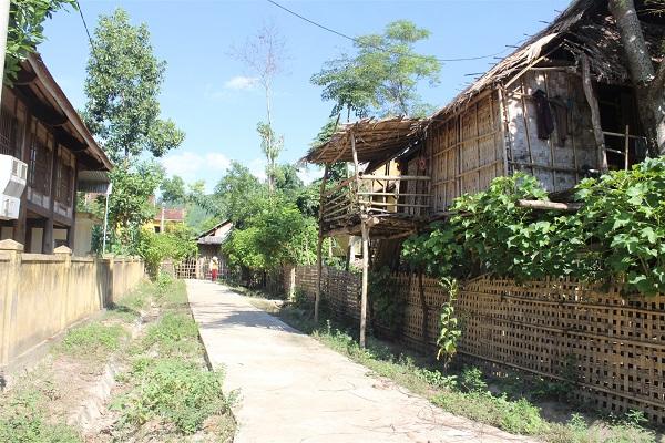 Một góc bản làng ở xã Nga My ( Tương Dương - Nghệ An)