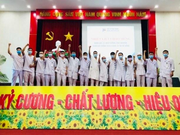 Bác sĩ, điều dưỡng bệnh viện Kiến An Hải Phòng tham gia đoàn chi viện cho TP. Đà Nẵng