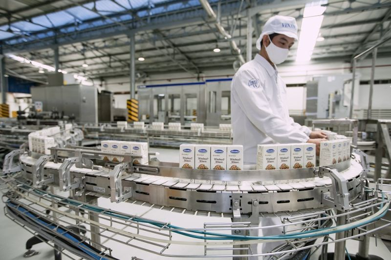 Công nghệ sản xuất hiện đại tại hệ thống 13 nhà máy của Vinamilk trên cả nước giúp cung cấp các sản phẩm chất lượng đến tay người tiêu dùng