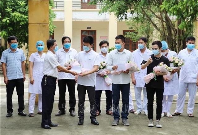 Các bệnh nhân trong ngày ra viện