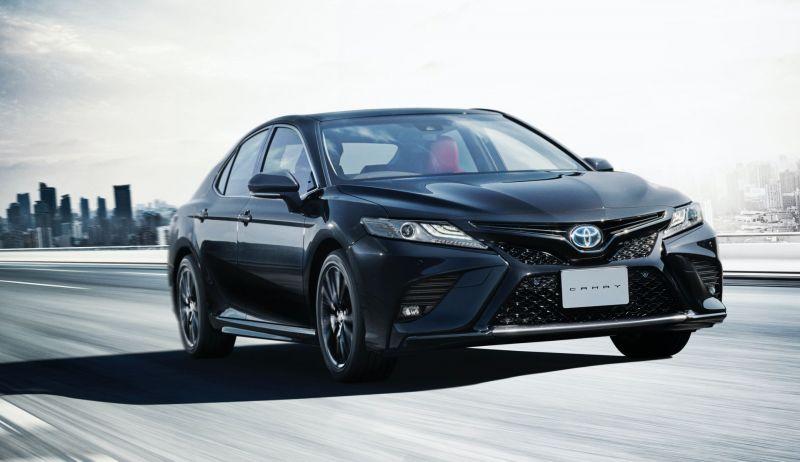 Toyota Camry Black Edition mang đến diện mạo bên ngoài tối màu hơn kết hợp với các trang bị thể thao và nội thất cao cấp hơn