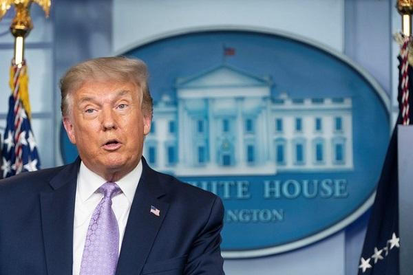 Tổng thống Donald Trump phát biểu trong buổi họp báo tại Nhà Trắng. Ảnh: REUTERS
