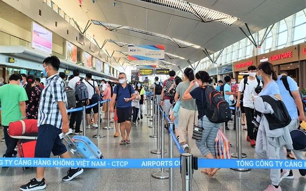 """Hiện có 1.695 du khách còn đang """"mắc kẹt"""" tại Đà Nẵng"""