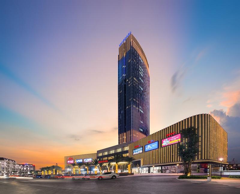 Khách sạn nội đô Vinpearl Hotel Imperia Hải Phòng là điểm đến được đông đảo du khách lựa chọn tại thành phố Hoa phượng đỏ.