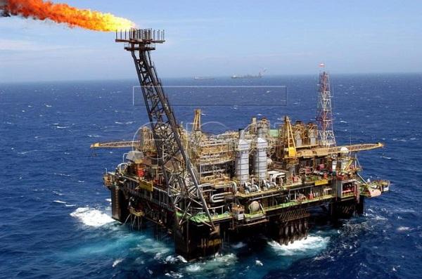 Giá xăng dầu ngày 14/8: Dầu giảm trở lại (ảnh minh họa)