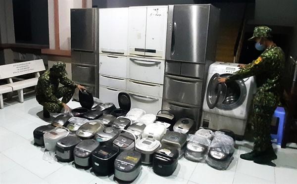 Biên phòng An Giang: Bắt giữ vụ buôn lậu hàng điện tử đã qua sử dụng