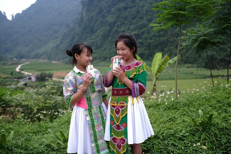 Bên cạnh chương trình hỗ trợ mổ tim cho trẻ em, 13 năm qua Vinamilk còn dành rất nhiều sự quan tâm cho đối tượng trẻ em qua chương trình Quỹ sữa Vươn cao Việt Nam.