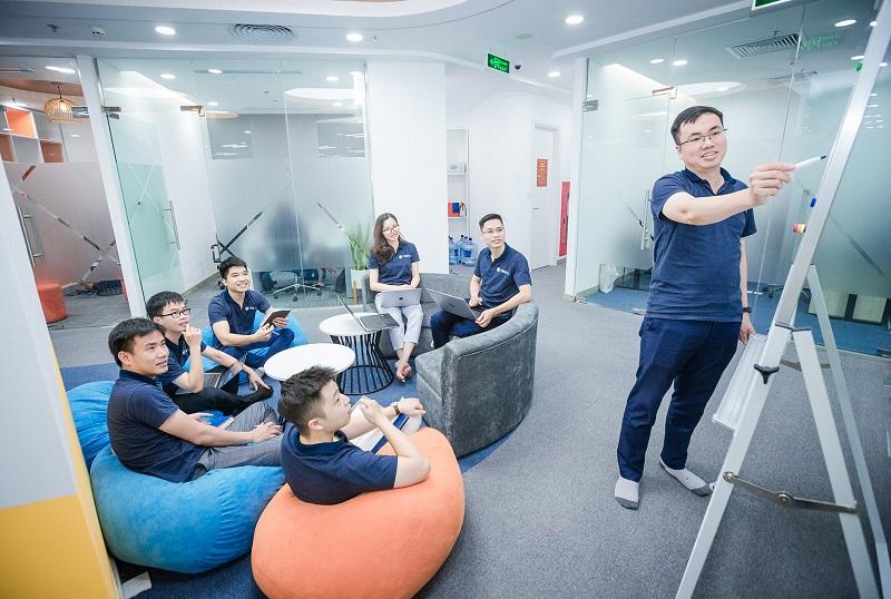 Các kỹ sư sẽ được đào tạo trong 1 năm, được Tập đoàn Vingroup tuyển dụng và đãi ngộ như nhân viên chính thức với mức thu nhập cạnh tranh