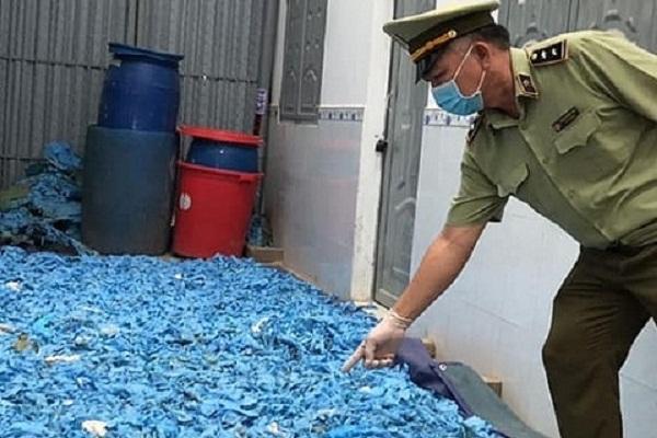 Hơn 20 tấn găng tay không nguồn gốc bị bắt giữ