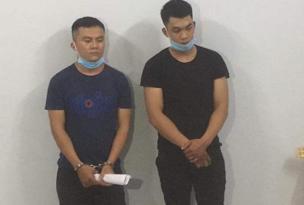 Hai đối tượng Nguyễn Trọng Dương và Nguyễn Văn Đạt bị công an bắt giữ