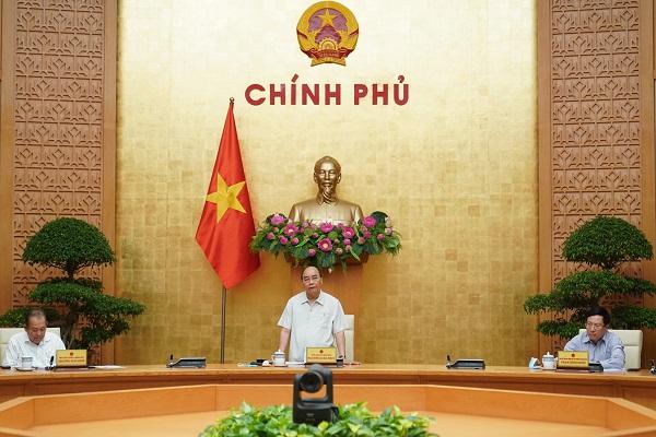 Thủ tướng Nguyễn Xuân Phúc chủ trì họp Thường trực Chính phủ về dịch COVID-19