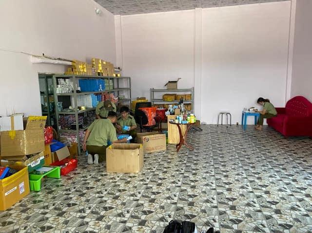 Bình Thuận: Thu giữ 1.800 sản phẩm mỹ phẩm không rõ nguồn gốc