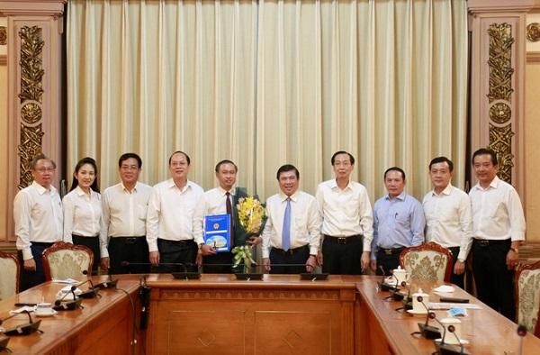 Lãnh đạo TP.HCM chúc mừng ông Huỳnh Thanh Nhân nhận nhiệm vụ mới
