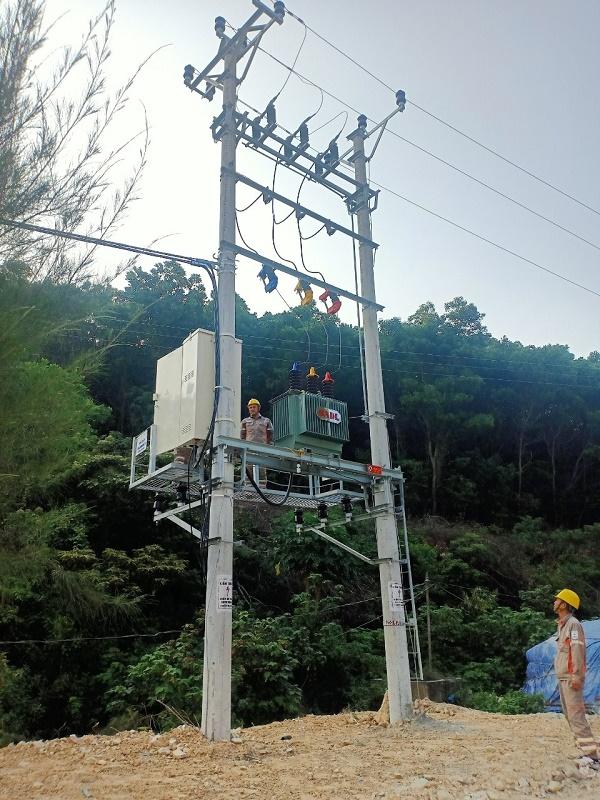Trạm biến áp Trần Đông 1(180kVA -22/,04 kV) trạm đầu tiên có điện lưới Quốc gia ngay sau khi Ông Nguyễn Xuân Ký Bí thư Tỉnh ủy, Chủ tịch HĐND tỉnh Quảng Ninh phát lệnh đóng điện
