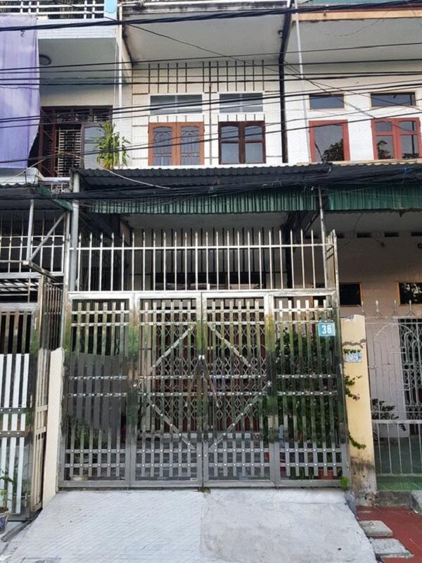 Căn nhà nơi các bị can say sưa đánh phỏm ăn tiền thì bị bắt quả tang