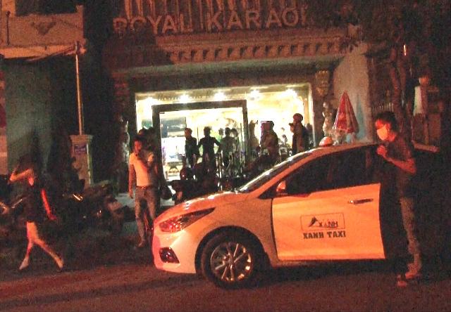 Karaoke ROYAL- ở phường Vỹ Dạ (Huế)