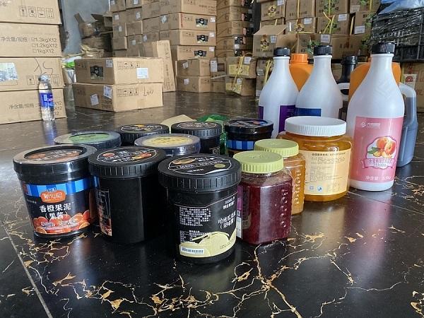 Gần 10 tấn nguyên liệu chế biến trà sữa không rõ nguồn gốc vừa bị lực lượng chức năng của TP Hà Nội phát hiện và bắt giữ