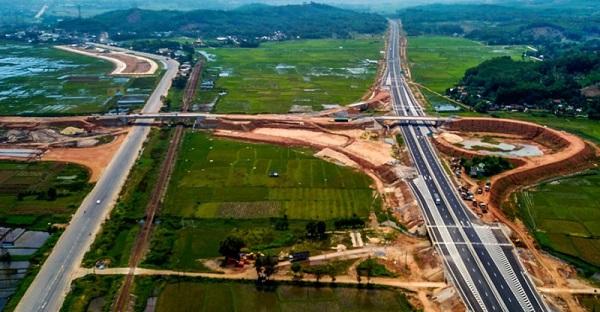Có 153 nhà thầu mua hồ sơ 3 dự án vốn đầu tư công cao tốc Bắc-Nam