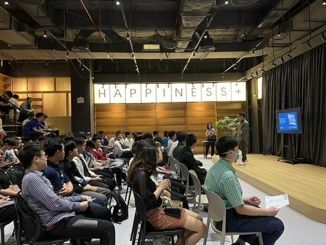 Ngoài được cấp học bổng bằng tiền mặt, người lao động sẽ được đào tạo miễn phí tại học viện Happitopia
