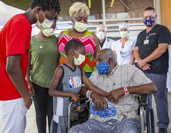 Trên toàn thế giới, gần 27,7 triệu người đã bị lây nhiễm Covid-19 (Ảnh: AP)