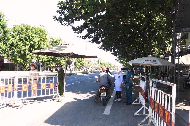 Chốt kiểm tra y tế Tứ Câu giáp ranh với huyện điện Bàn và huyện hòa Vang, TP. Đfà nẵng