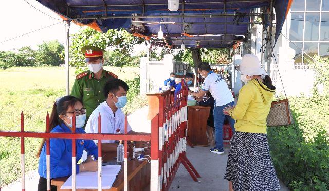 Chốt kiểm tra y tế giáp ranh huyện Hòa Vang, TP Đà Nẵng và huyện Đại Lộc ( Quảng Nam)