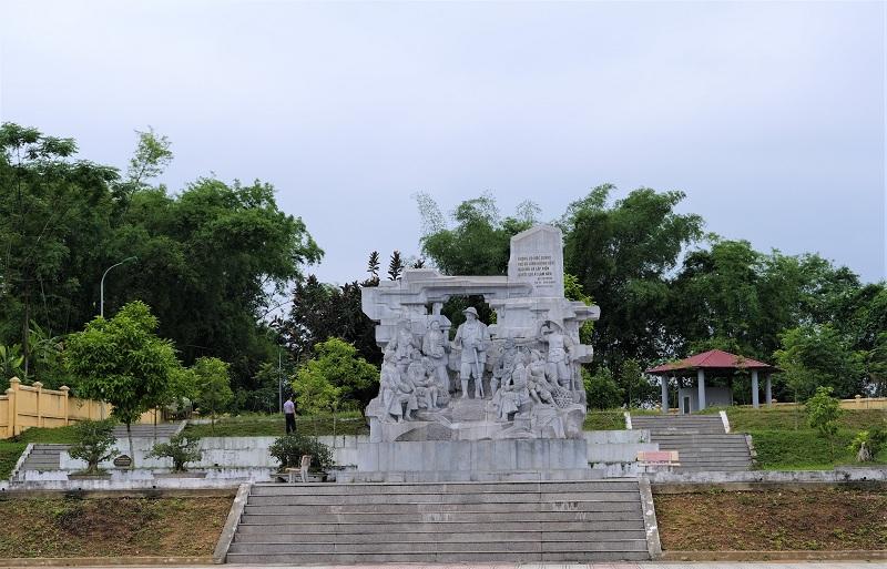 Khu di tích lịch sử Nà Tu, tỉnh Bắc Kạn với cảnh quan xanh mát là địa điểm thu hút nhiều khách du lịch trong nước và quốc tế đến tham quan.