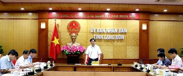 Phó chủ tịch UBND tỉnh Nguyễn Long Hải phát biểu tại buổi họp