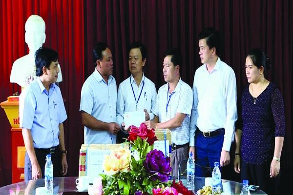 Công ty Synot Asean cùng Đài PT-TH Nghệ An chung tay cùng đồng bào vùng lũ lụt khắc phục hậu quả thiên tai
