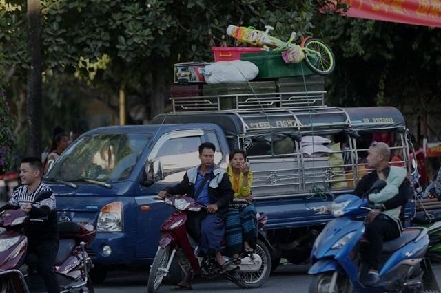 Thành phố Thụy Lệ, tỉnh Vân Nam, Trung Quốc phong tỏa 1 khu dân cư sau khi phát hiện ca nghi mắc COVID-19 chưa rõ nguồn gốc. Ảnh: Thời báo Hoàn Cầu