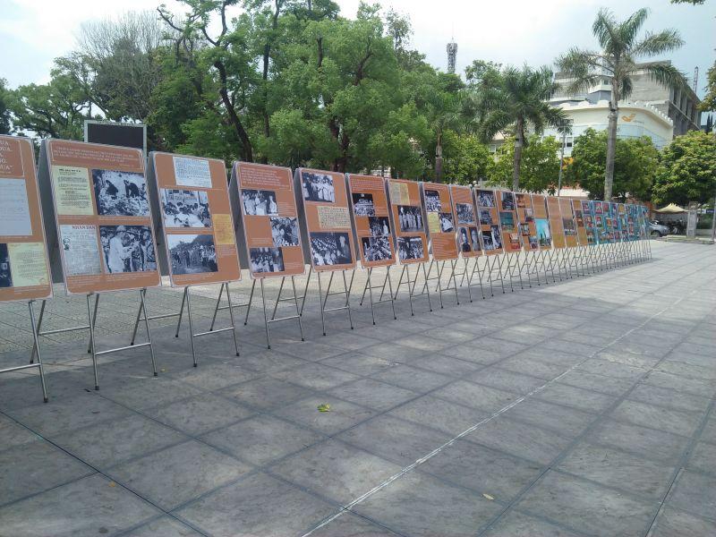 Triển lãm ảnh và hiện vật  nhằm  ôn lại truyền thống lịch sử của địa phương và dân tộc