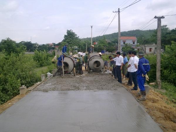 Xây dựng đường giao thông nông thôn