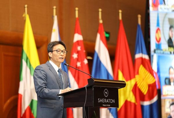 Phó Thủ tướng Chính phủ Vũ Đức Đam phát biểu tại phiên họp