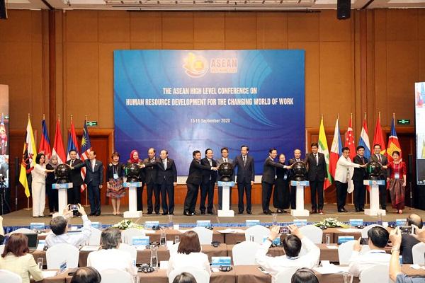 Hội đồng Giáo dục nghề nghiệp ASEAN ra mắt.