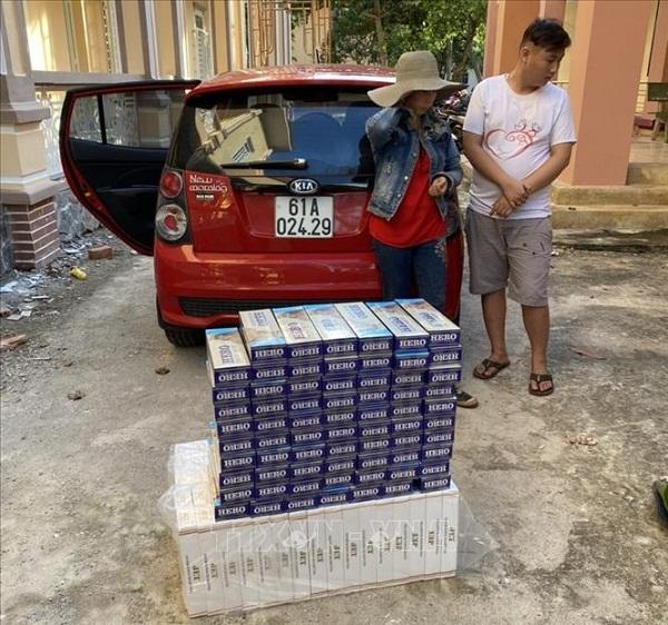 Bắt giữ phương tiện vận chuyển 1.490 bao thuốc lá nhập lậu
