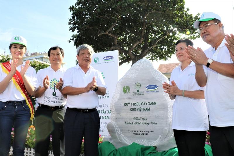 Vinamilk và Quỹ 1 triệu cây xanh cho Việt Nam trao tặng hơn 110.000 cây xanh cho tỉnh Bà Rịa Vũng Tàu