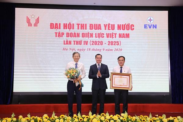 Tại đại hội, EVN vinh dự đón nhận Bằng khen Thủ tướng Chính phủ