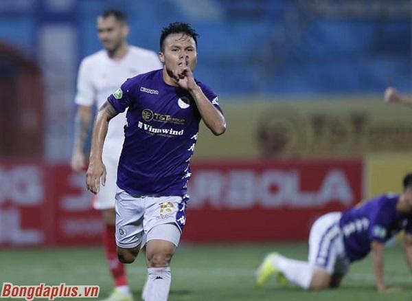 Quang Hải ăn mừng đầy cảm xúc khi ghi bàn giúp Hà Nội FC vô địch Cúp Quốc gia 2020