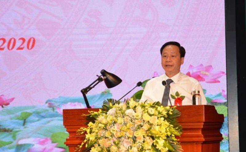 Phó trưởng Ban Thi đua - Khen thưởng Trung ương Phạm Đức Toàn phát biểu chúc mừng thành tích phong trào Thi đua yêu nước của tỉnh Cao Bằng.