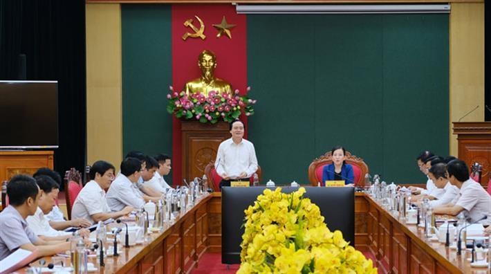 Bộ trưởng Bộ GD&ĐT Phùng Xuân Nhạ làm việc với lãnh đạo tỉnh Thái Nguyên