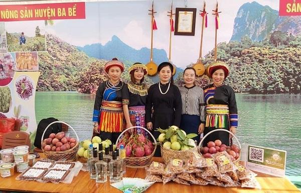 Nhiều hợp tác xã, doanh nghiệp tổ chức quảng bá các sản phẩm nông sản sạch