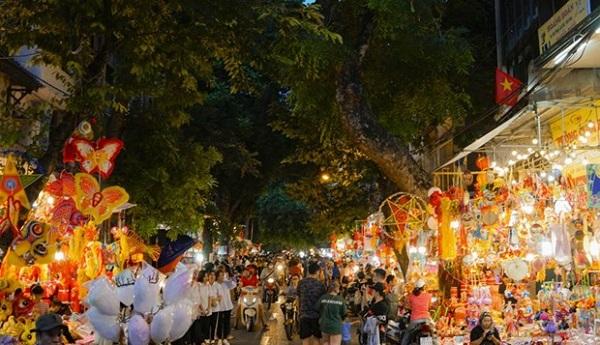Cấm phương tiện trên 5 tuyến phố phục vụ lễ hội Trung Trung thu phố cổ (Ảnh minh họa)