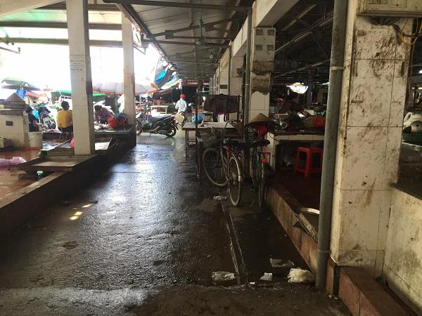 Một số cơ sở hạ tầng chợ Hui bị xuống cấp nghiêm trọng