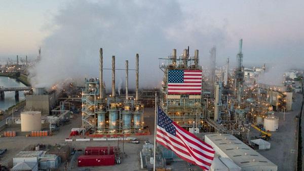 Giá dầu bị kiềm chế bởi dữ liệu cho thấy hoạt động kinh doanh của Mỹ giảm nhiệt
