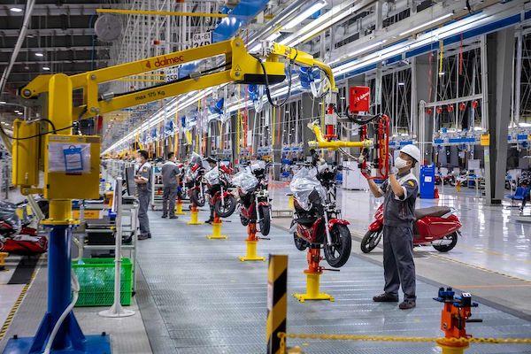 Xưởng lắp ráp xe máy điện tại tổ hợp sản xuất VinFast Hải Phòng. (NAG: Linh Phạm/Bloomberg)