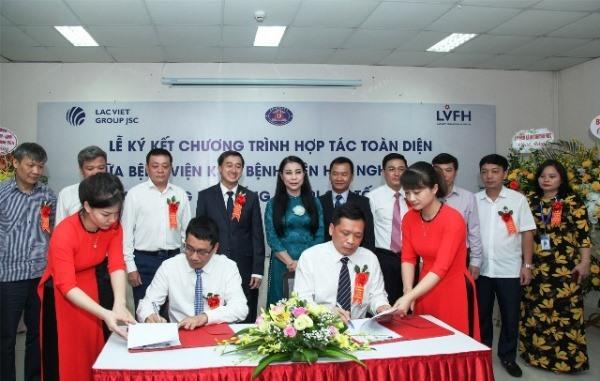 Đại diện Bệnh viện hữu nghị Lạc Việt và Bệnh viện K ký kết Chương trình hợp tác toàn diện