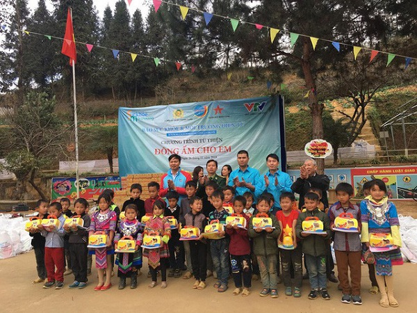 Công ty Long Hải đồng hành trong một chương trình từ thiện ở Lào Cai