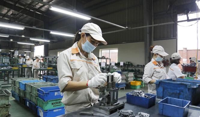 Sản xuất hàng cơ khí tại Công ty TNHH Tâm Hợp (Ảnh: Viết Thành)