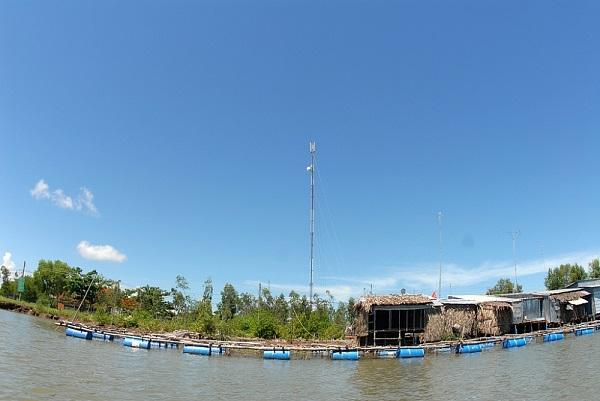 Một trạm BTS của Viettel tại nơi đất mũi Cà Mau